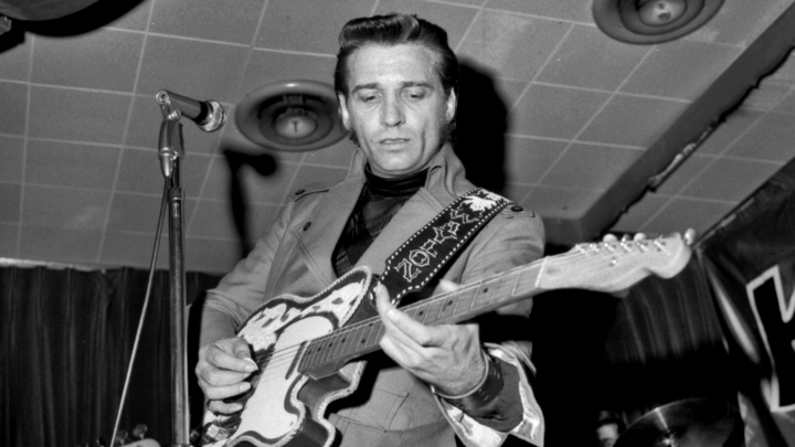 LOS ANGELES - JUNE 16: Country musician Waylon Jennings performs onstage with his Fender Telecaster electric guitar at the Palomino on June 16, 1970 in Los Angeles, California. (Photo by Michael Ochs Archives/Getty Images)